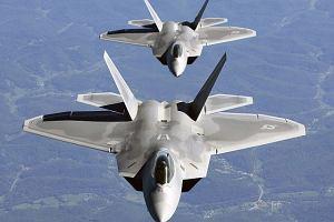 Rosjanie: Naszym bombowcom towarzyszyły najdroższe myśliwce! Amerykańskie