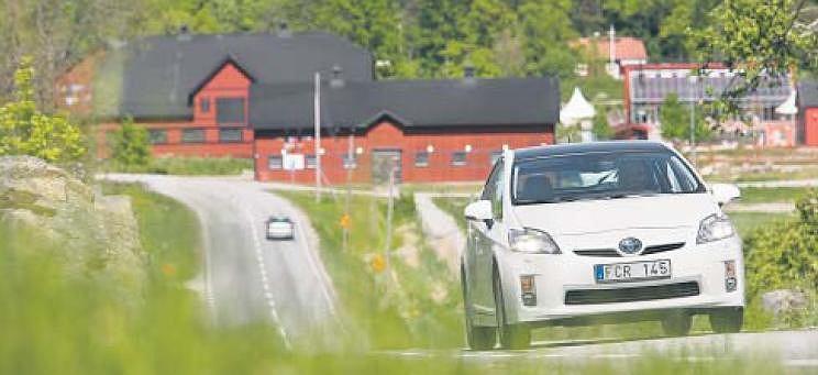 W Szwajcarii kupuje się winietę na granicy. Nie sposób o tym zapomnieć, bo pracownicy służby granicznej kontrolują wjeżdżające auta i kierują samochody bez winiet na specjalny parking