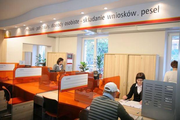 Wydzia� obs�ugi mieszka�c�w w urz�dzie na Mokotowie w Warszawie