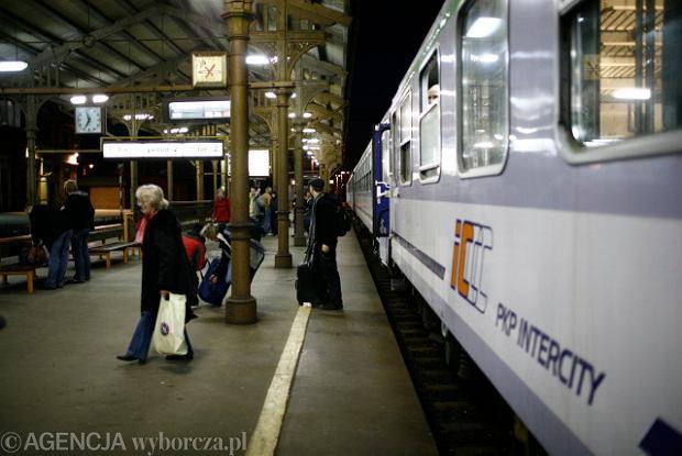 PKP wycina ostatnie tanie połączenie z Warszawy nad morze