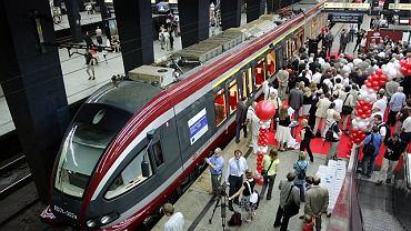 Pociąg do Łodzi na Dworcu Centralnym