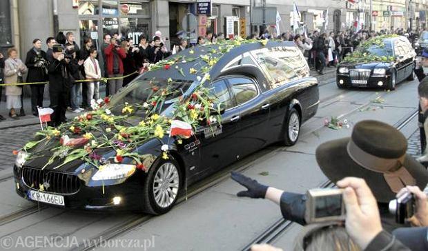 Zdj�cie numer 38 w galerii - Uroczysto�ci pogrzebowe w Krakowie. Dzie� dziewi�ty [NA �YWO]