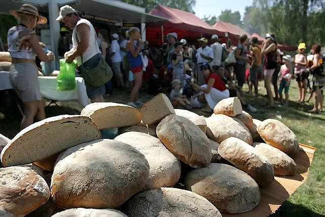 Chleb sprzedawany na jarmarku