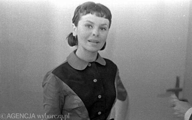 Pogrzeb piosenkarki Kasi Sobczyk, legendy polskiego big bitu na Starych Pow�zkach