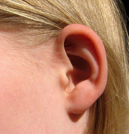 Plastyka odstaj�cych uszu - coraz bardziej popularna