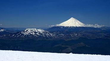 Lanin i Puyehue widziane z wulkanu Villarrica