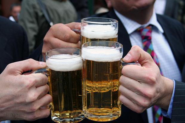 Picie piwa może mieć związek z rakiem żołądka