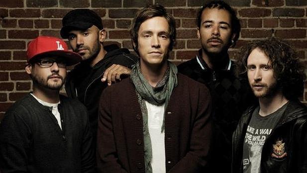 """Mike Einziger znany z Incubus nagrał w szczytnym celu utwór """"Til Everyone Can See""""."""