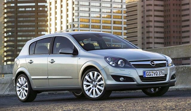 20) Opel Astra hatchback 1.7 CDTi 100 KM (422 sztuki), rok: 2004