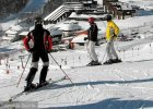 Wnuki pozywają babcię o alimenty. Bo brakuje im na narty w Alpach