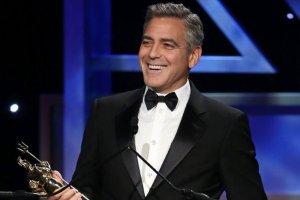 Ju� wiemy, dlaczego Clooney wygl�da tak m�odo. To te geny! Nie uwierzycie, �e matka aktora ma 75 lat