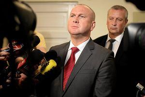 """ABW cofnęła certyfikat bezpieczeństwa Pawłowi Wojtunikowi, b. szefowi CBA. """"Osobista zemsta"""""""