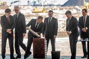 Inwestycja za prawie miliard z�otych. Ruszy�a budowa Terminalu Naftowego w Gda�sku