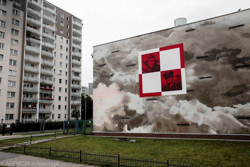 Praga po udnie nowy mural upami tniaj cy polskich lotnik w for Mural ursynow