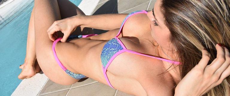 5 treningów najlepszych na brzuch i pupę, dzięki którym bez oporów założysz bikini