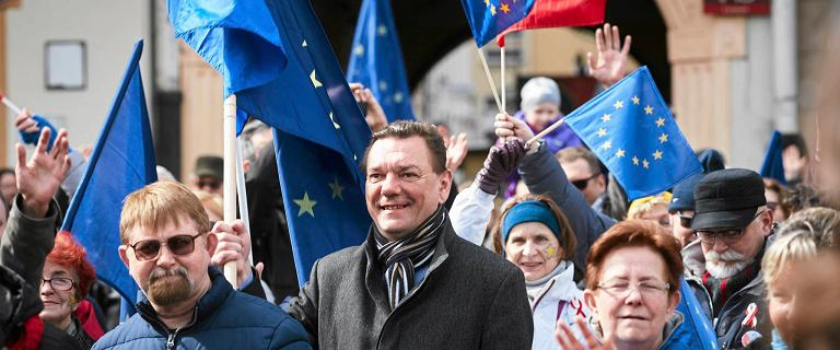 Marsz dla Europy. Łodzianie zaśpiewali Odę do radości [ZDJĘCIA]