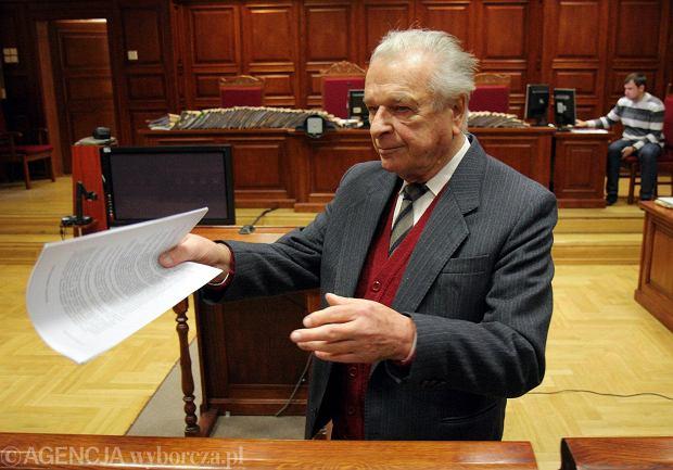 Gen. Czes�aw Kiszczak