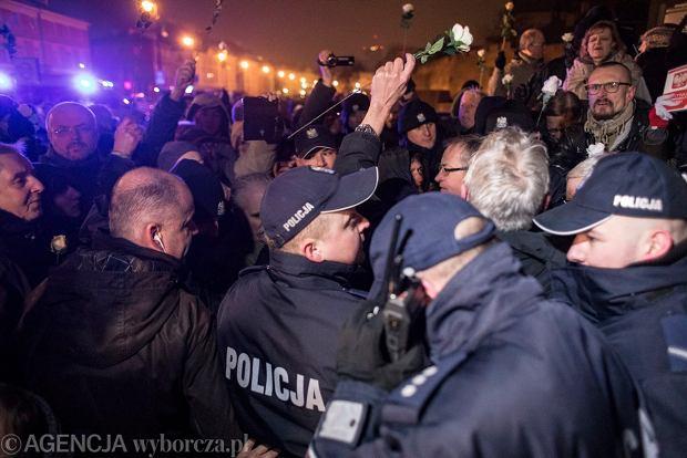 Manifestacja Obywateli RP podczas 94. miesięcznicy smoleńskiej