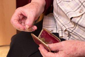 Magdalena Pawlaczyk: Ka�dy dostaje tyle, ile od�o�y� na swoim koncie emerytalnym [ANKIETA WYBORCZEJ]