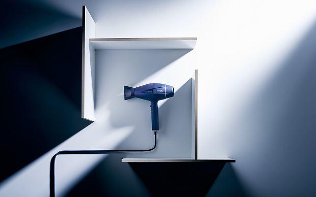 Jak prawidłowo suszyć i pielęgnować włosy za pomocą inteligentnej suszarki 6500E z linii Digital Sensor?