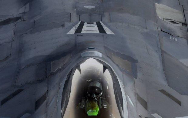 """""""Nie mają godnego przeciwnika w powietrzu"""". USA rozmieszczają w Europie niewykrywalne myśliwce F-22 Raptor"""