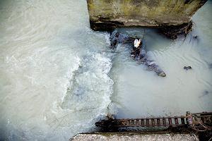 Rzeki i jeziora Europy s� tak zatrute, �e zagra�aj� �yciu