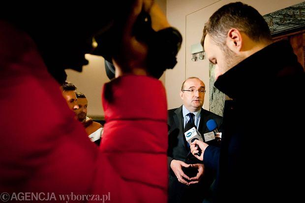 Bunt komisji wyborczych w Krakowie. Bo 300 z� diety to za ma�o