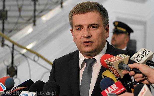 Minister zdrowia Bartosz Ar�ukowicz