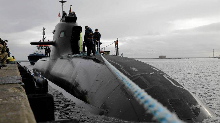 Gdynia. Port wojenny, niemiecki okręt podwodny U34 typu U212A