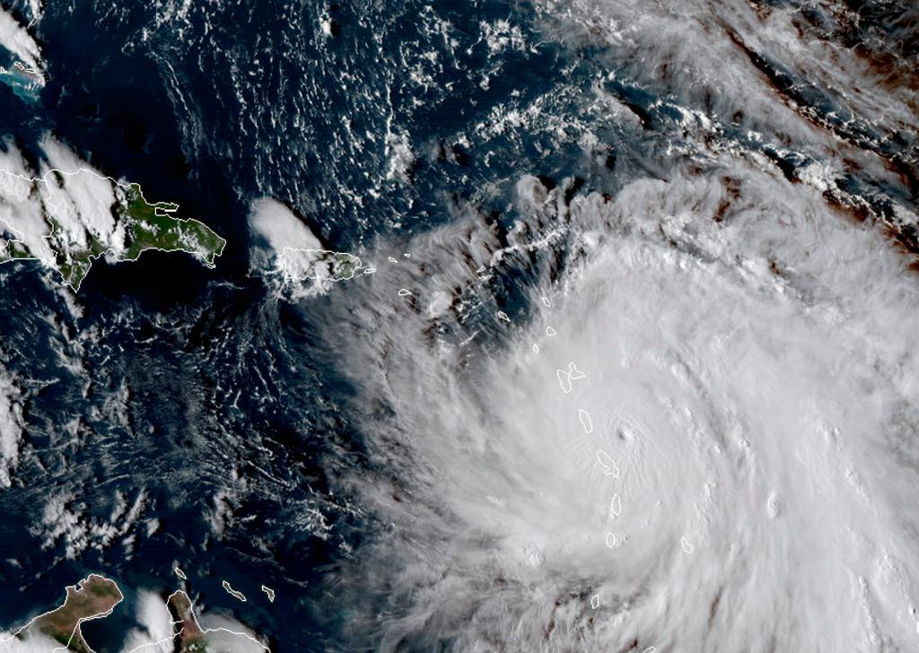 Huragan Maria uderzy w Karaiby