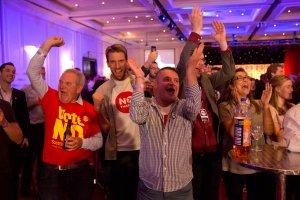 Szkocja zostaje w Zjednoczonym Kr�lestwie. Historyczne referendum nie przynios�o sensacji