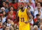 NBA. LeBron James pi�ty rok z rz�du liderem w sprzeda�y koszulek