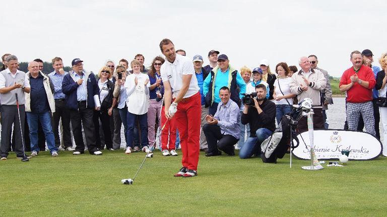 Jerzy Dudek na otwarciu pola golfowego w Sobieniach Szlacheckich