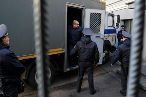 Białorusini na wszelkie sposoby pomagają aresztowanym demonstrantom. Władza potępia tę solidarność