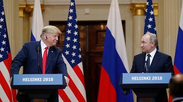 Prezydent USA Donald Trump oraz prezydent Rosji Władimir Putin podczas konferencji prasowej na szczycie helsińskim, 16 lipca 2018.