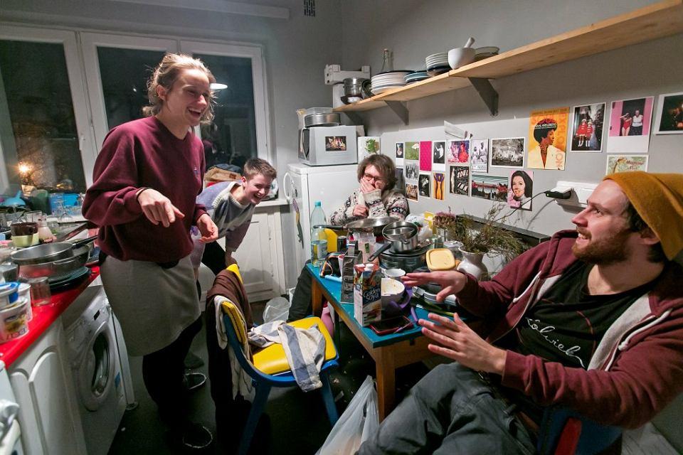 Dom I: Od prawej: Tomek, Patryk, Zuzia, Ita