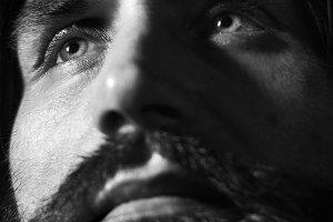 28 twarzy Czes�awa Niemena. Najlepsze portrety muzyka [ZOBACZ]