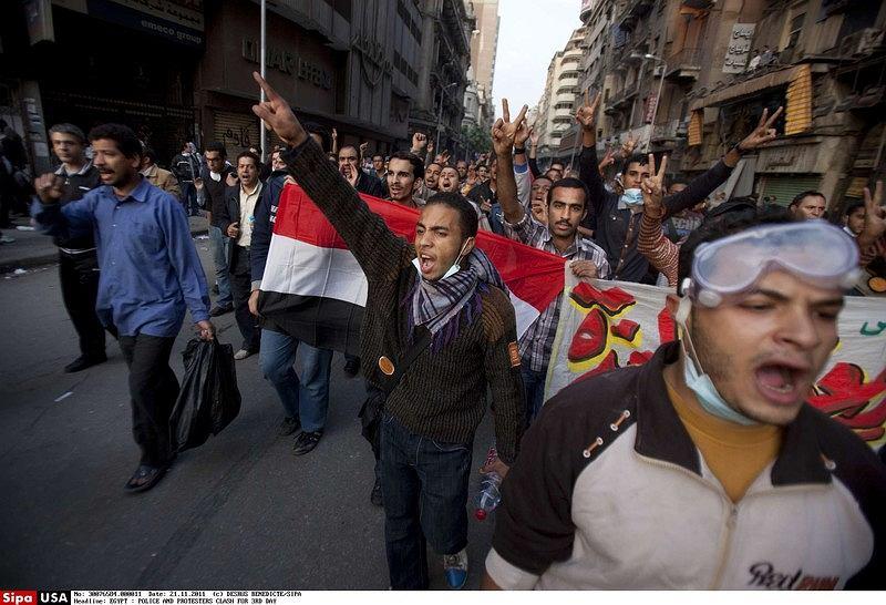 Arabska wiosna - bilans klęski. Od Tunezji po Jemen i od Libii po Egipt arabskie dyktatury chwiały się pod presją pokojowego sprzeciwu, a demokratyczna przemiana regionu zdawała się nieuchronna