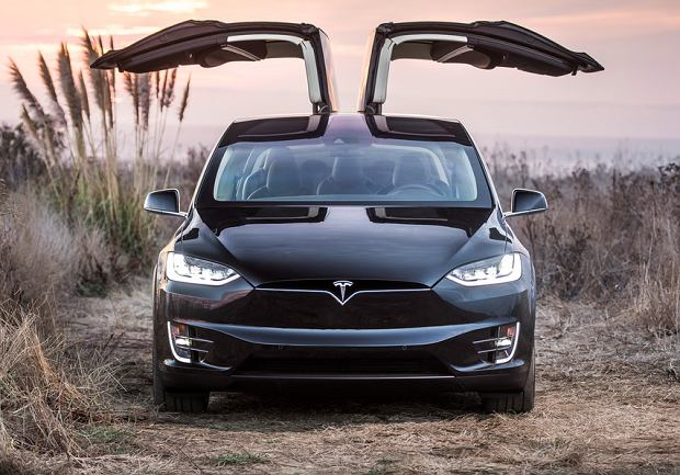 Bazowa Tesla Model X teraz jeszcze lepsza