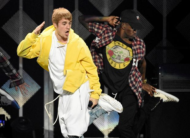 Bieber podczas koncertu.