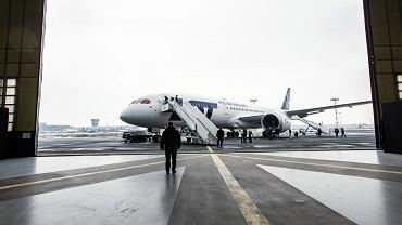 Dreamliner 787-9, najnowszy nabytek LOT prezentowany na Okęciu. Warszawa, 23 marca 2018