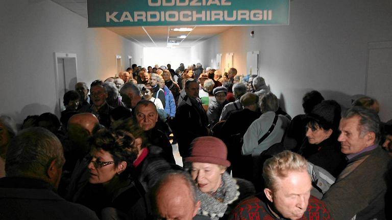 Kolejka do rejestracji w Kielcach. Zdjęcie z 2012 roku