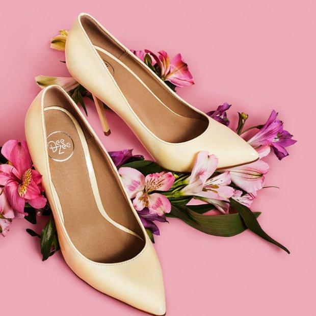 7d52a0204f662 Lato w DeeZee: modne sandały, szpilki i espadryle