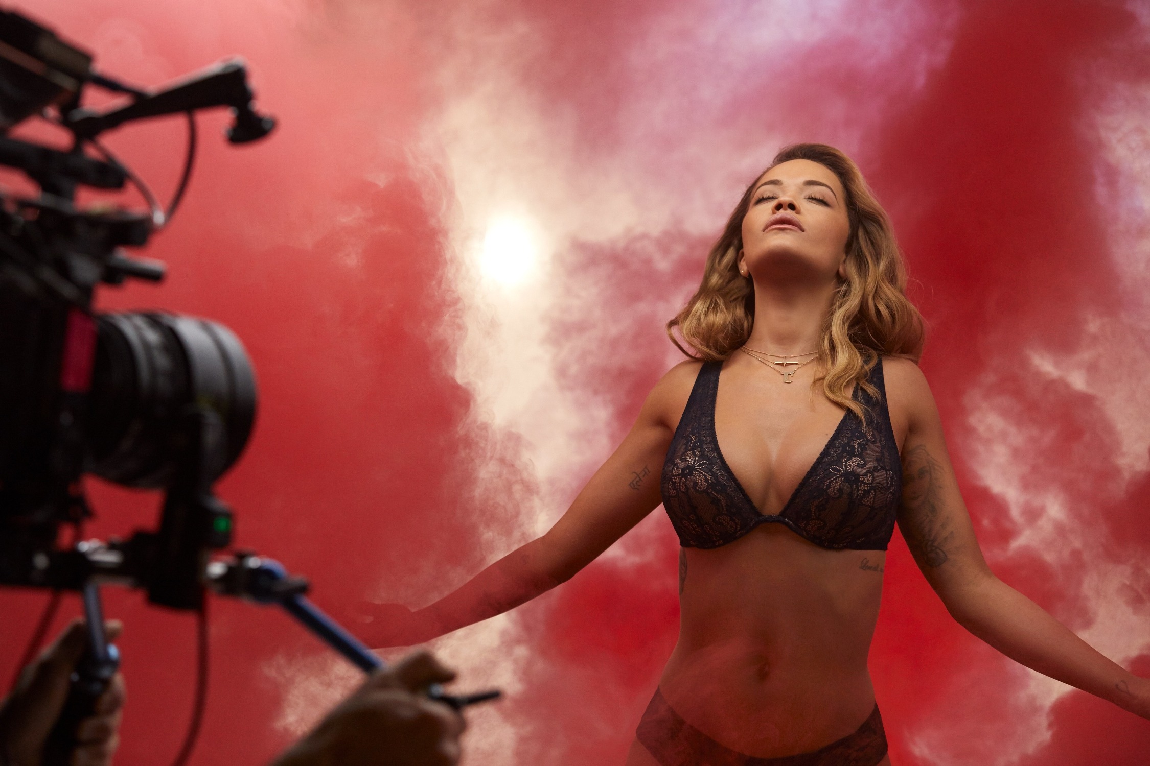 Rita Ora w kampanii Tezenis