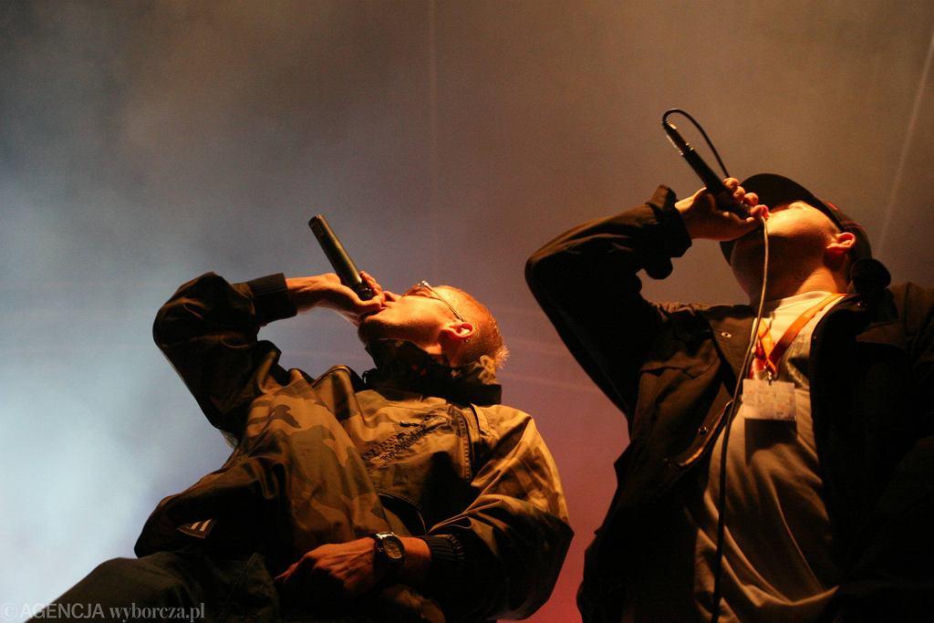 Pezet (od lewej) i Onar. Rok 2008. Koncert w Zielonej Górze (fot. Sebastian Rzepiel / Agencja Gazeta)