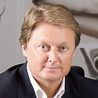 Top 10: najwybitniejsi projektanci samochodów, top 10, samochody, Henrik Fisker