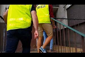 Elbląg: Policjanci zatrzymali kobietę podejrzaną o uprowadzenie dziecka. Najprawdopodobniej chciała je wywieźć za granicę