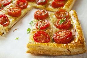 Tarta serowa z pomidorami