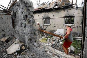 Donieck atakowany z powietrza, s� zabici. NATO informuje o 20 tys. rosyjskich �o�nierzy przy granicy