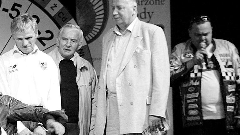 Antoni Galiński (drugi z prawej)